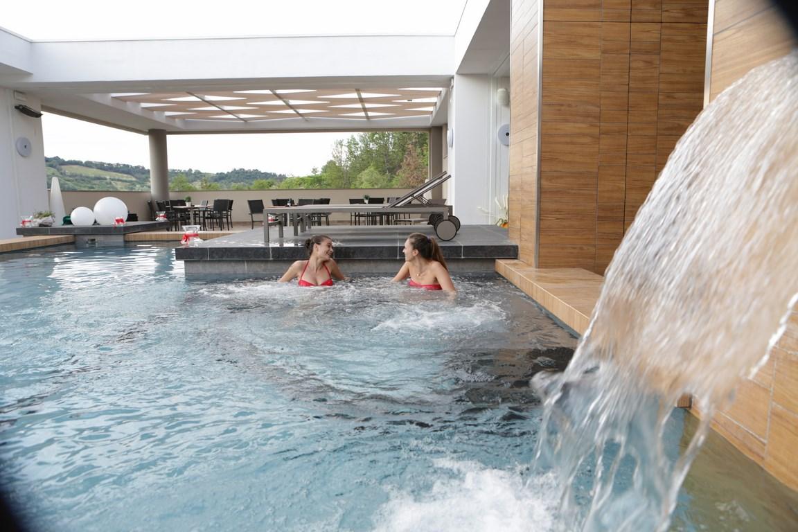Admiral park hotel s bologna hotel vicino all for Piscina zola predosa